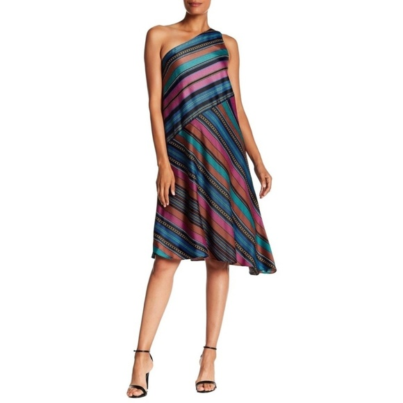 Maggy London Dresses & Skirts - Maggy London multi colored size 10 dress
